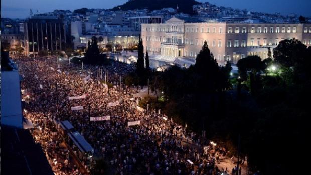 GRECIA –  Frente al referéndum convocado por Syriza para el domingo 5