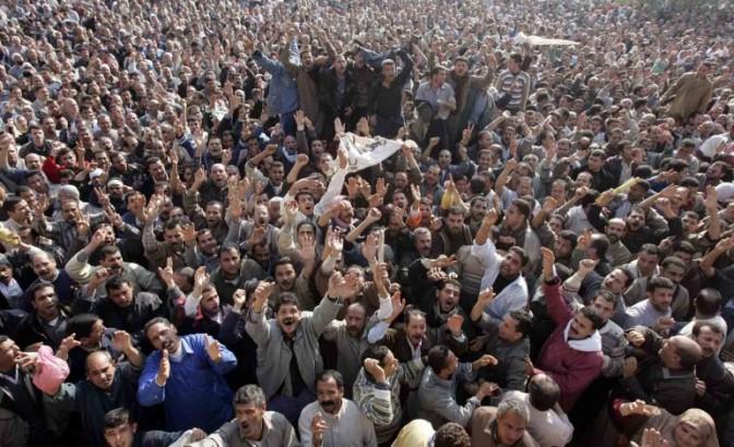 Egipto – Mahallah frente a una huelga de más de 17.000 obreros, la dictadura retrocede