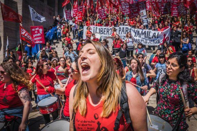 Argentina-Un río de mujeres para enfrentar al gobierno de Macri
