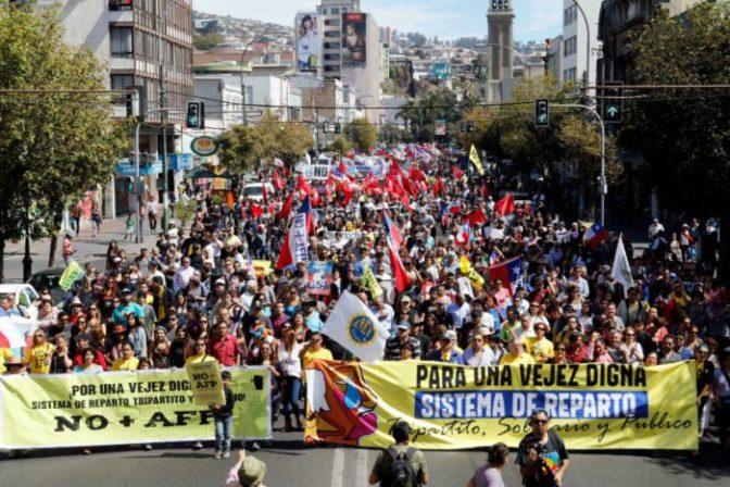dos millones de manifestantes contra el sistema de jubilación privada