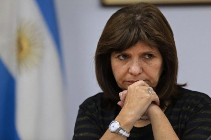 Se abre una crisis política: ¡Fuera la ministra Bullrich!